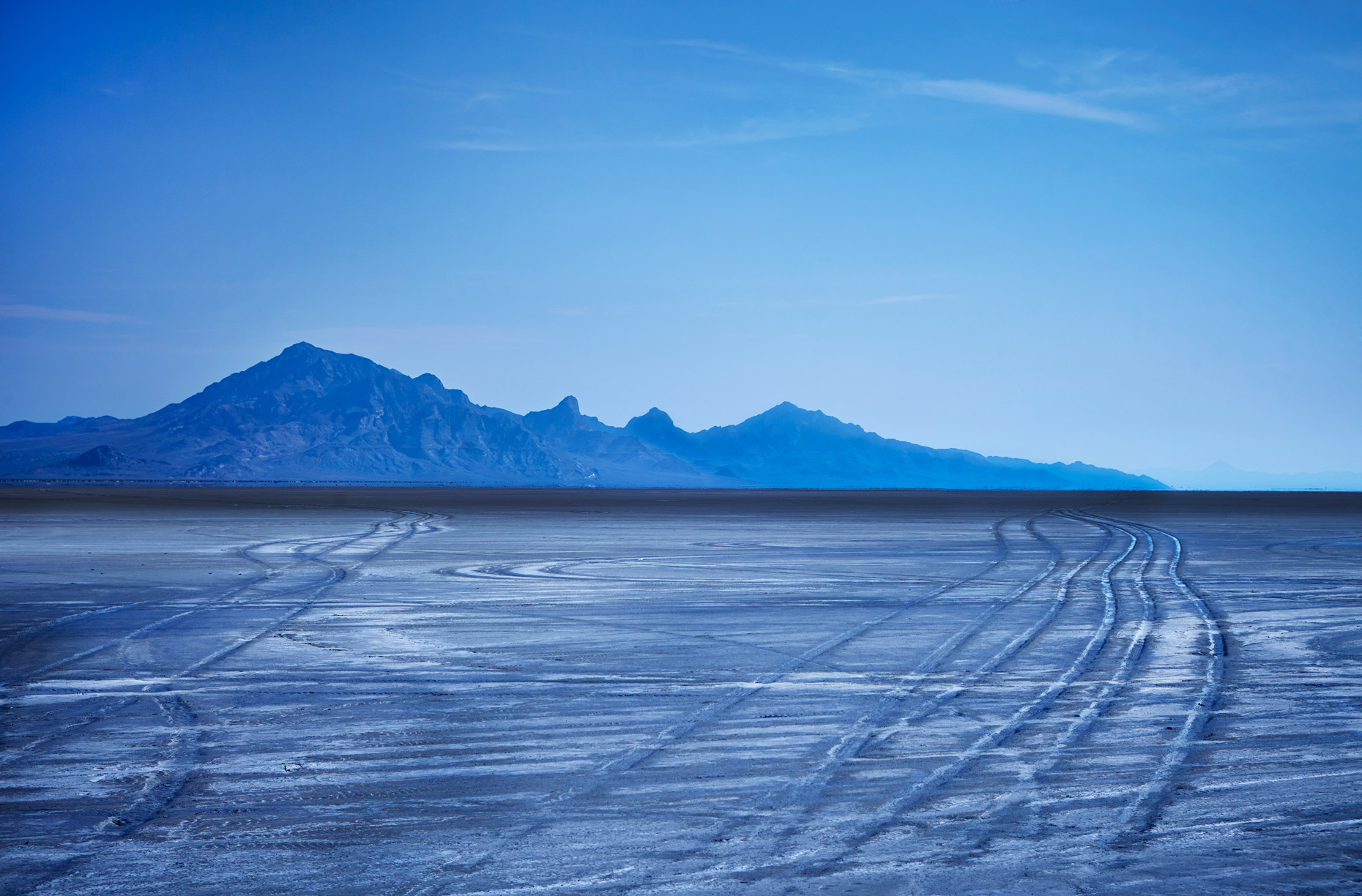 Saltflat-Tire-Tracks